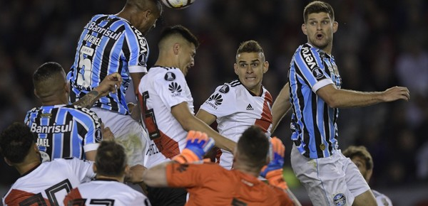 Copa Libertadores: Gremio dio el golpe y River tendrá que darlo vuelta en Brasil