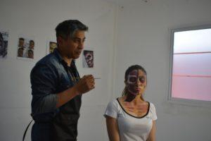 El maquillador Martín García trajo su arte a Posadas