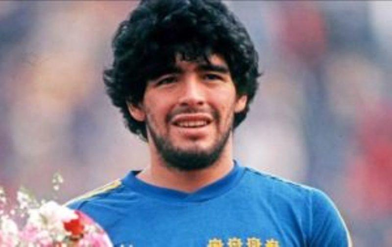 En su cumpleaños número 58, repasá cuando Maradona hizo un gol de mitad de cancha en Posadas