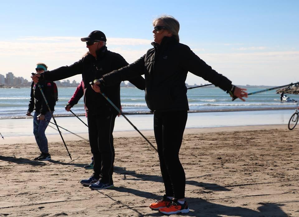 Marcha Nórdica: La nueva tendencia deportiva que crece en Europa y que ya se puede practicar en Posadas