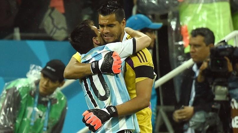El misionero Sergio Romero aseguró: «Me encantaría que Messi esté acá»