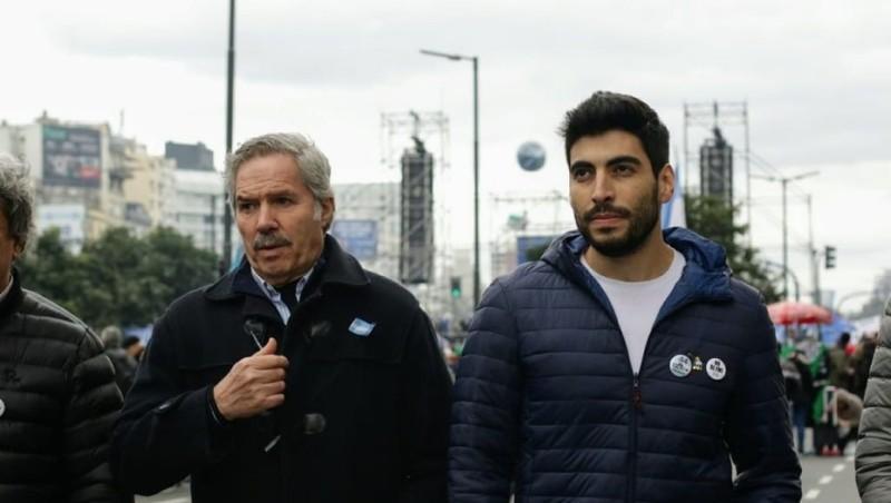 Cinco diputados dejan el Frente Renovador de Sergio Massa