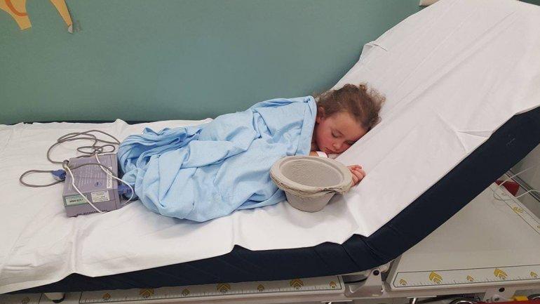 Viral: La triste imagen de una pequeña de 6 años que terminó internada tras ser víctima de bullying