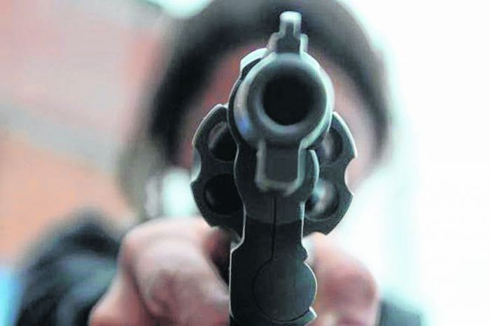 "Al grito de ""Te voy a matar, estás en Brasil"", un árbitro brasilero le apuntó con un arma a un jugador del Cataratas Básquet"