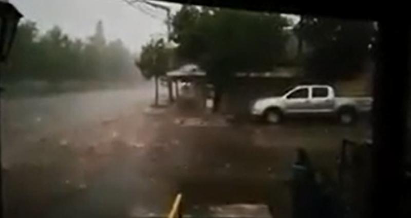 Se viralizó un video de una intensa caída de granizo: sería en Concepción de las Sierra