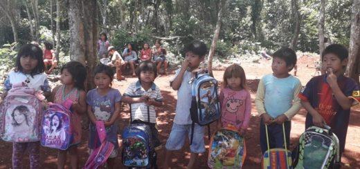 La comunidad Itá Poty Mirí de Iguazú recibió libros y donaciones recaudadas por Residente