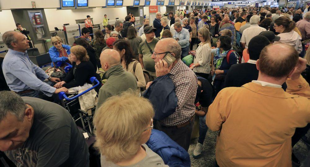 Gremios aeronáuticos anunciaron paro total para el lunes 26