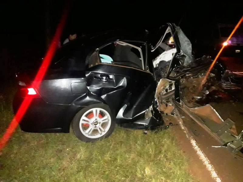 Auto despistó y chocó contra un árbol en Alba Posse: hay dos fallecidos