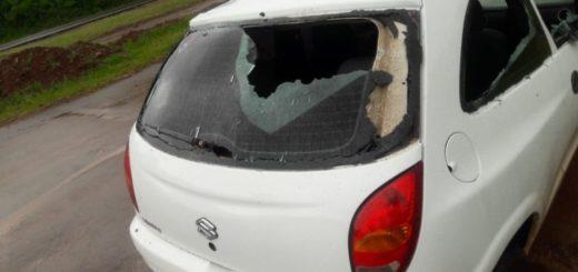 Un hombre terminó detenido por destrozar un auto en Garupá