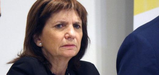 """Patricia Bullrich recordó que la portación de armas """"no está prohibida"""" en Argentina, pero aconsejó que """"no las usen""""."""