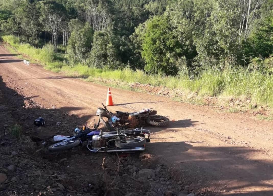 Colisión frontal entre dos motocicletas dejó como saldo tres personas hospitalizadas en Alberdi