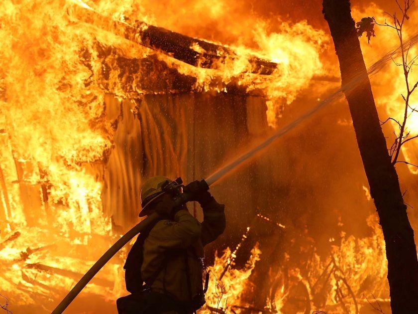 Incendios convierten a California en una embajada del infierno: 9 muertos
