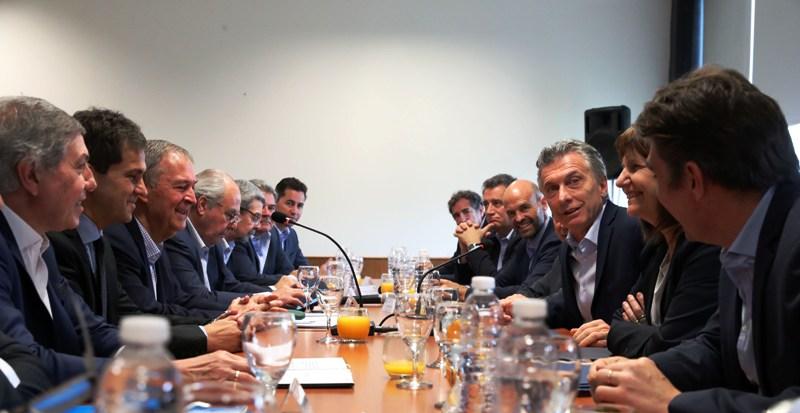 Macri encabezó una reunión conjunta de los gabinetes de Nación y Córdoba con el gobernador Schiaretti