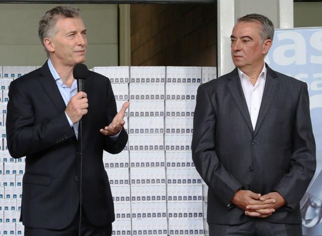 Macri presentó un convenio del PAMI con los laboratorios para bajar el precio de los medicamentos