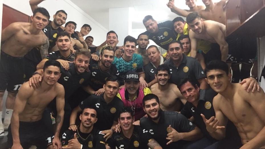 La hazaña de Maradona como entrenador: agarró a su equipo último y lo clasificó a la Liguilla por el ascenso