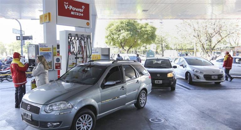 Shell baja sus combustibles hasta un 2,7% en todo el país