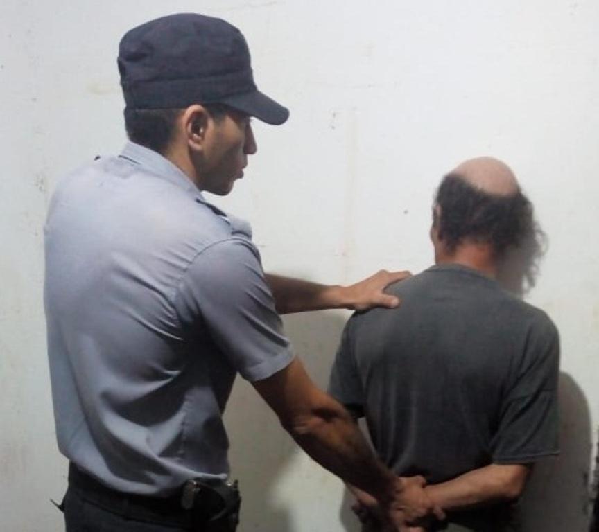 Golpearon a un anciano durante un asalto en Posadas: le robaron 3.500 pesos