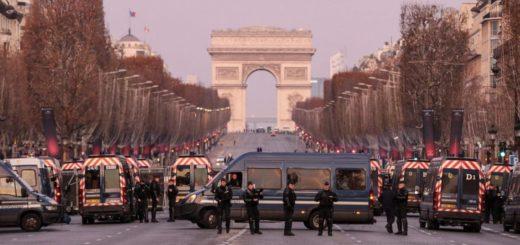 """Francia: Los """"chalecos amarillos"""" salen a manifestarse por quinto sábado consecutivo"""