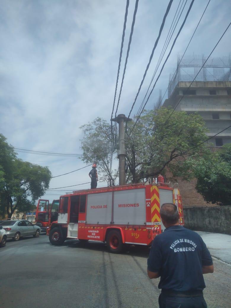 Por un incendio en dos conductores, momentáneamente se suspendió el suministro de energía en el centro de la provincia