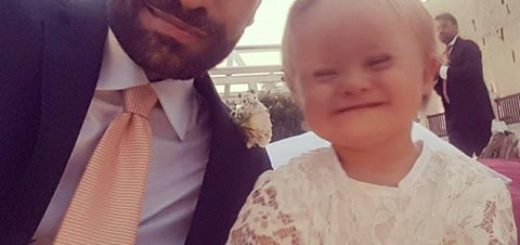 La conmovedora historia de un hombre que adoptó a una niña con síndrome de Down que habían rechazado 20 familias