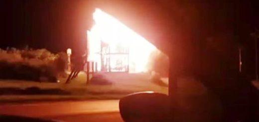 Ruiz de Montoya: Incendio destruyó por completo una casilla sobre ruta 12 en el acceso a la localidad
