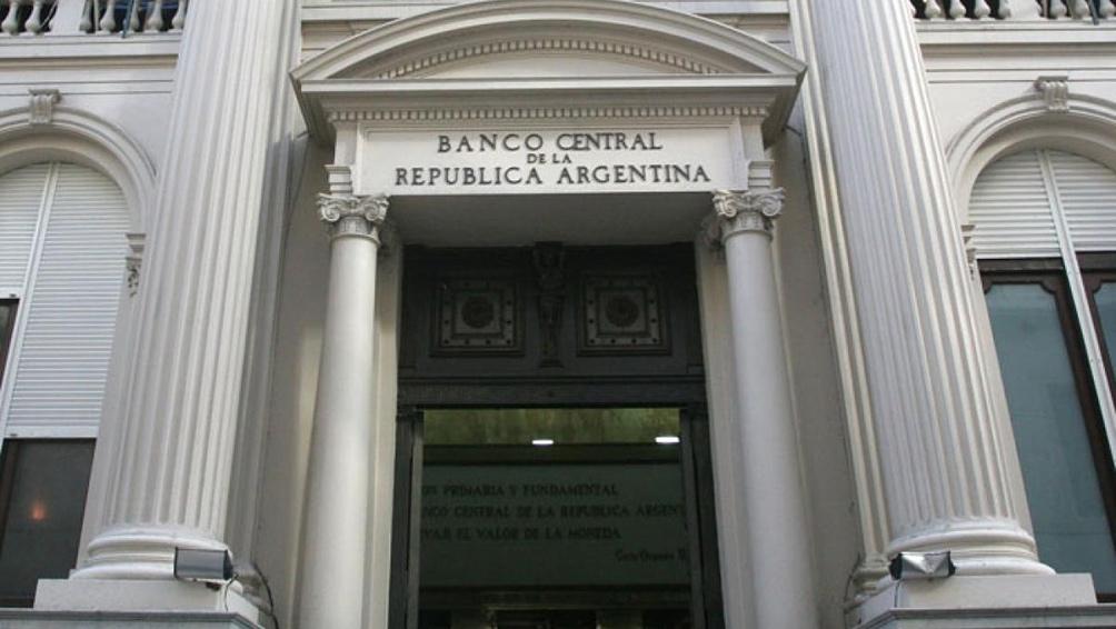 Por la baja de la inflación, el Banco Central eliminó el piso de 60% a la tasa de interés de referencia