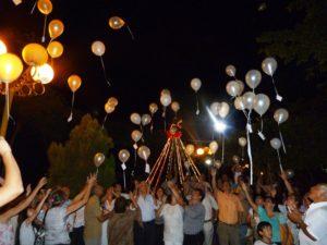 El grupo Renacer hizo el lanzamiento de globos como cada 8 de diciembre