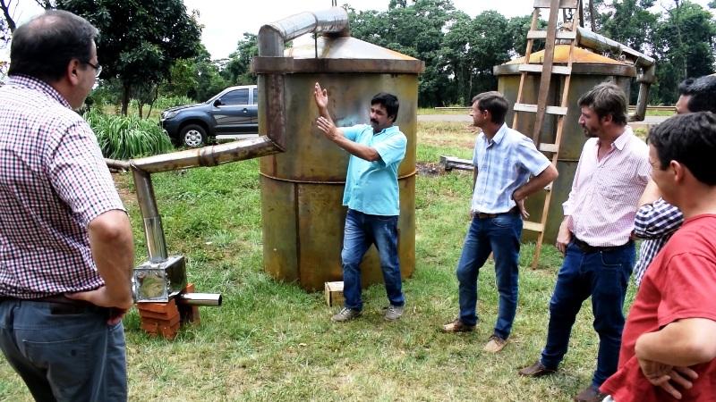 El ministro del Agro y su equipo recorrieron obras en ejecución del PISEAR en Pozo Azul