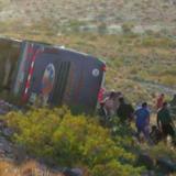 Bariloche: un auto cayó del primer piso del aeropuerto, hay cuatro heridos
