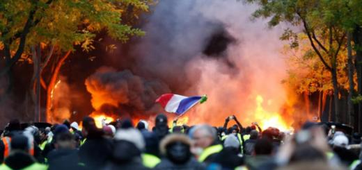 Francia: Macron da marcha atrás con la suba de los combustibles