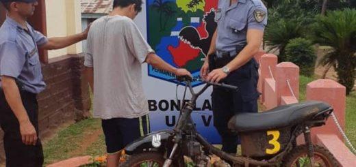 Detuvieron a un motociclista que casi provocó una tragedia en la avenida San Martín de Bonpland