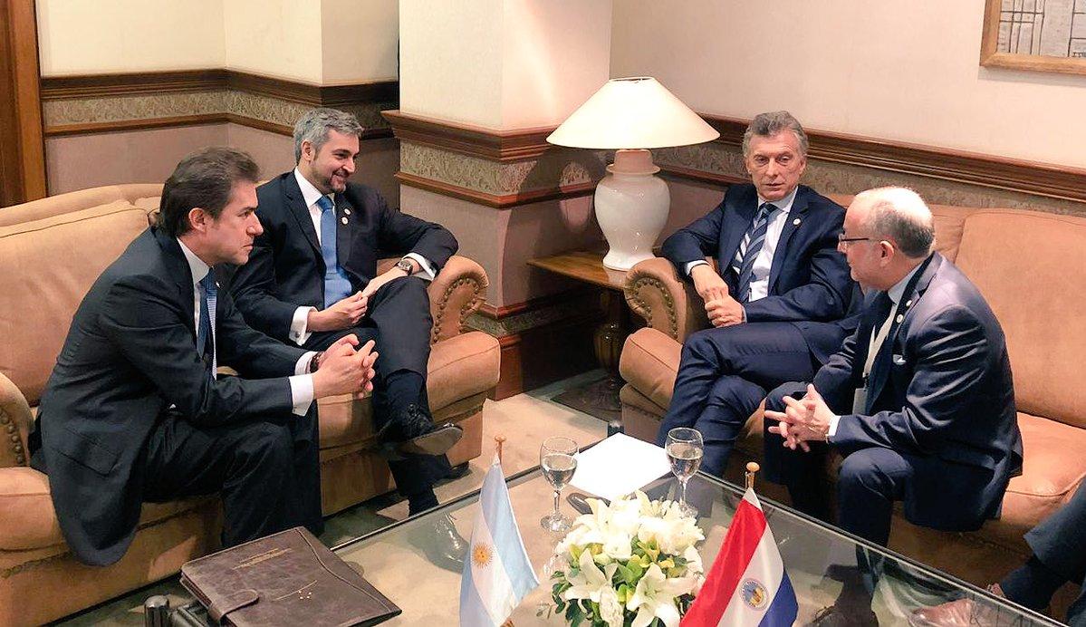Abdo Benítez y Macri acordaron habilitar un paso fronterizo que conecte Ituzaingó – Ayolas