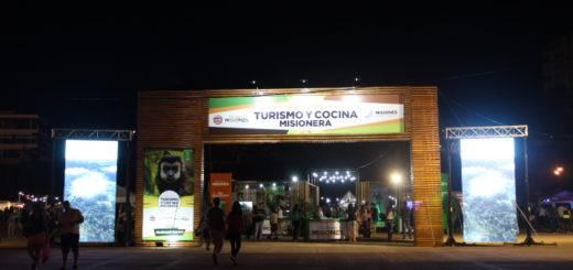 Cientos de Familias disfrutaron de una noche llena de sabores en la Feria de Turismo y Cocina Misionera