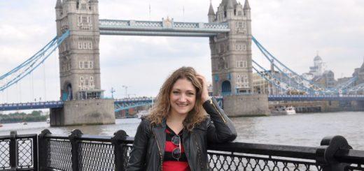 Visitando el barrio del puente de las dos torres en Londres