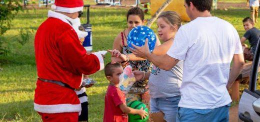 Acciones solidarias y la presencia de Papa Noel en varios puntos, marcaron la Navidad en Eldorado