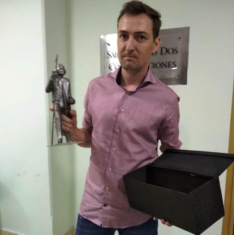 """La CEM reconoció a Facundo Algañaráz de Tacurú Lab con el """"Premio Joven Empresario Misionero"""""""