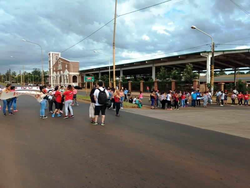 Protesta contra el aumento del boleto: está cortada la avenida Quaranta frente a la Estación de Transferencia de Posadas