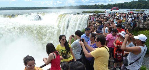 Casi 2 millones de turistas en el último fin de semana largo del año: las Cataratas del Iguazú entre los destinos favoritos