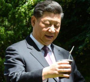 El primer mandatario de China Xi Jimping probó el mate en la Quinta de Olivos