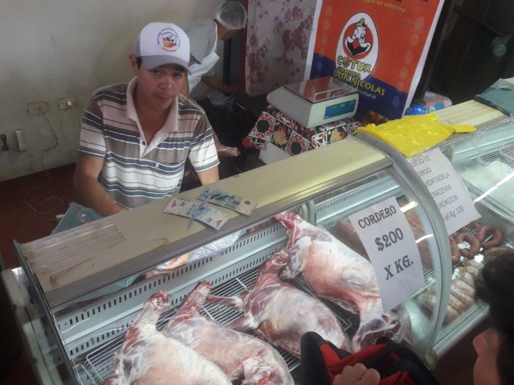 Productores misioneros comienzan a vender cordero en el Mercado Concentrador