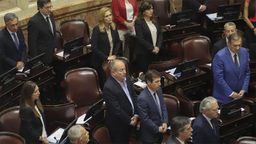 El Senado aprobó la Ley Micaela y el proyecto que desregula el papel de diario