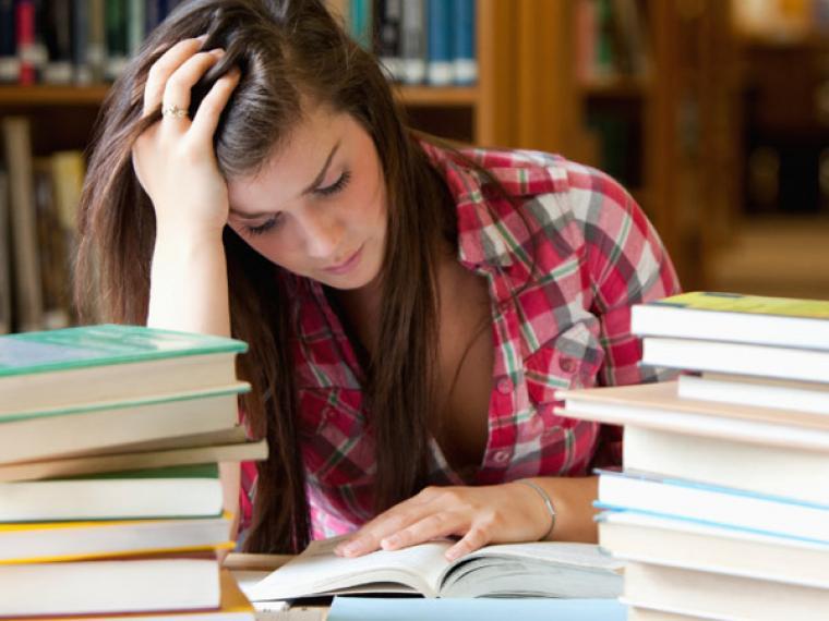 Consejos para superar el miedo a la hora de ser evaluado en los exámenes finales