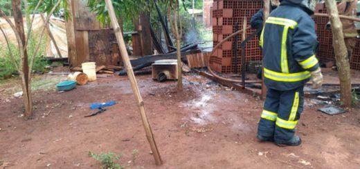 Incendio consumió una vivienda familiar en Puerto Iguazú
