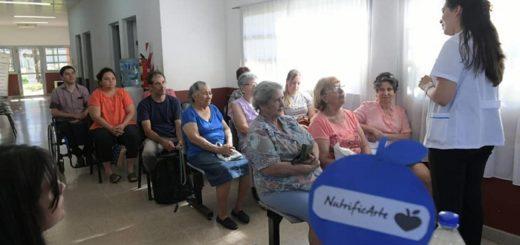 El programa Nutrificarte recorrió tres barrios de Posadas y el Parque de la Salud brindando charlas sobre nutrición