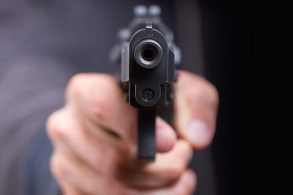 Investigan una trifulca vecinal que anoche dejó un joven baleado en la chacra 181 de Posadas