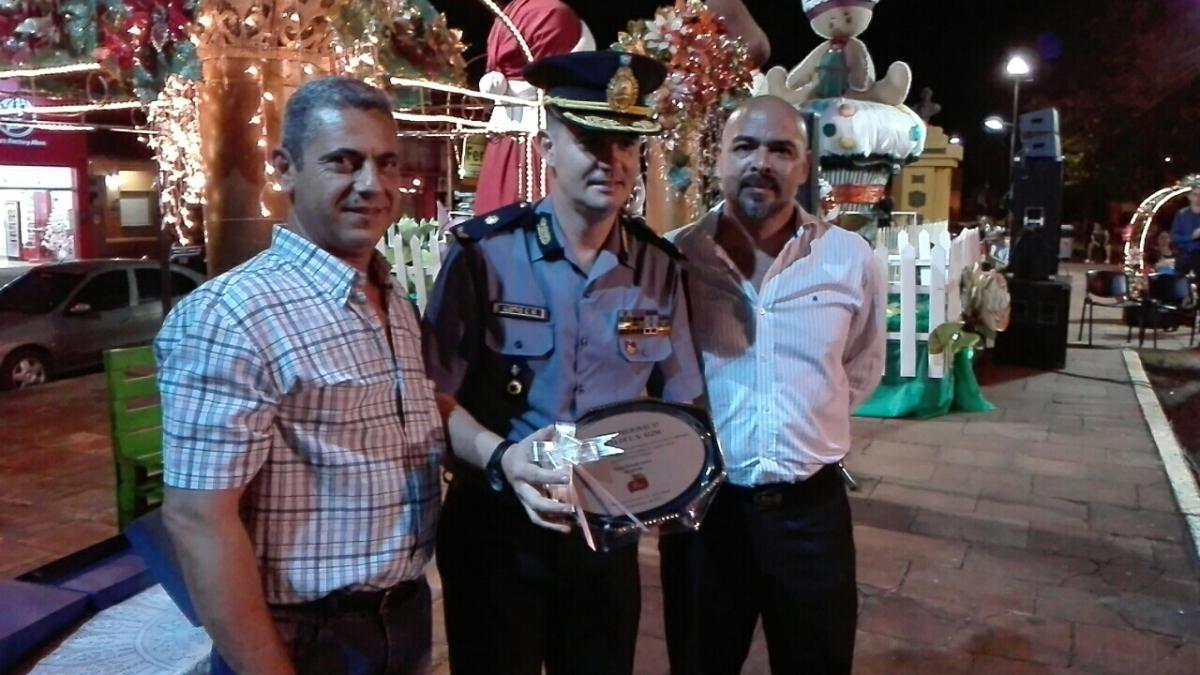 Alem: el municipio reconoció el accionar de la Policía en la prevención de delitos y resolución de conflictos