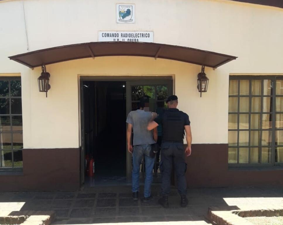 Arrestan a un hombre acusado de amenazar y lesionar a un joven en Oberá
