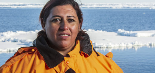 """Nació en San Antonio y ahora se encuentra rumbo a la Antártida a bordo del ARA """"Almirante Irízar"""": la historia de Fanny, la misionera que desde hace 15 años le entrega su vida a la Armada"""