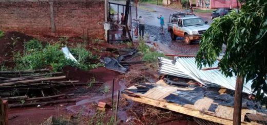 """""""Sentimos como un mini tornado ayer en Jardín América, por donde pasaba arrancaba techos completos"""", contó el Intendente"""