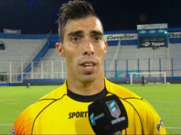 Gabriel Ávalos, el ex Crucero del Norte que le hizo tres goles a River y se mostró en la vidriera grande del fútbol argentino